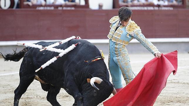 Gonzalo, oficial y Caballero en Las Ventas