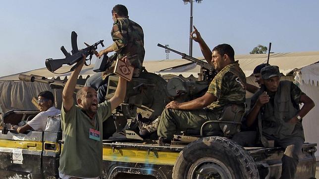 Rebeldes libios contra el gobierno de Gadafi en 2011