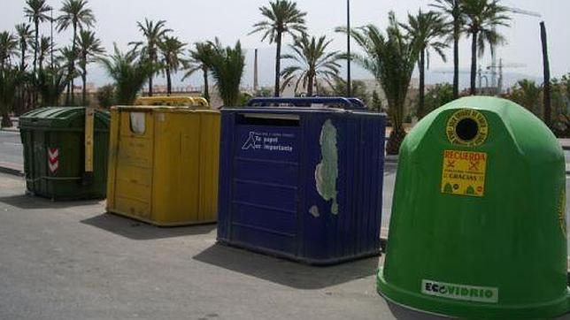Resultado de imagen de contenedores de reciclaje