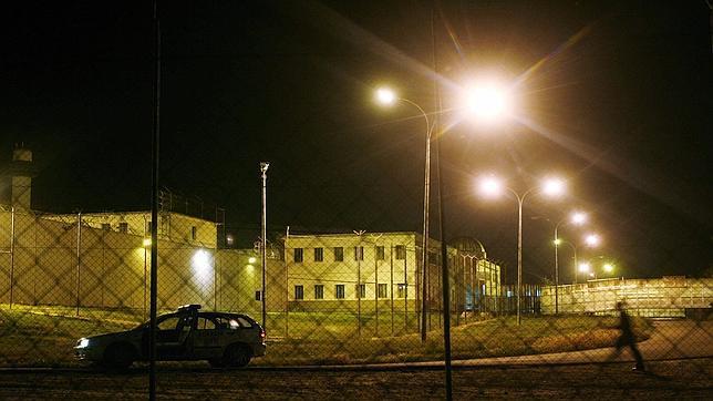 Un preso prende fuego a una celda en la cárcel de Picassent