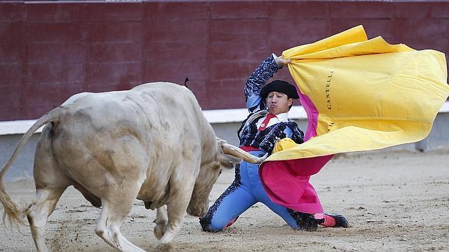 La entrega de César Valencia se gana una vuelta al ruedo en Las Ventas