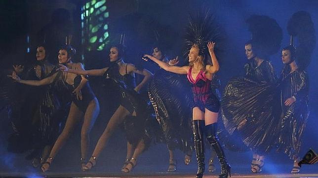 La cantante animaba al público a bailar