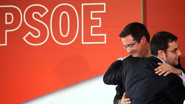 Ibán García deja vía libre a Óscar López para volver al Senado