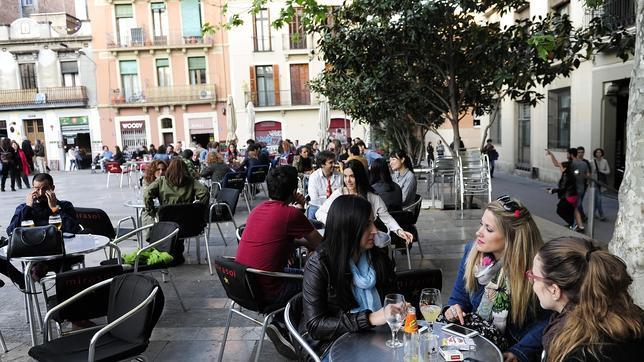 Más de la mitad de las terrazas de Barcelona incumple la normativa