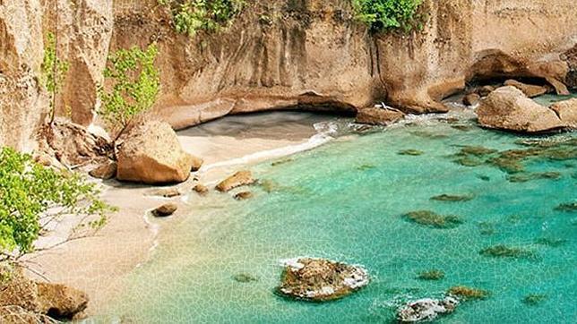 Diez hoteles con playa privada for Hoteles en islas privadas