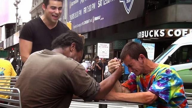 La increíble lección de solidaridad de un indigente de Nueva York