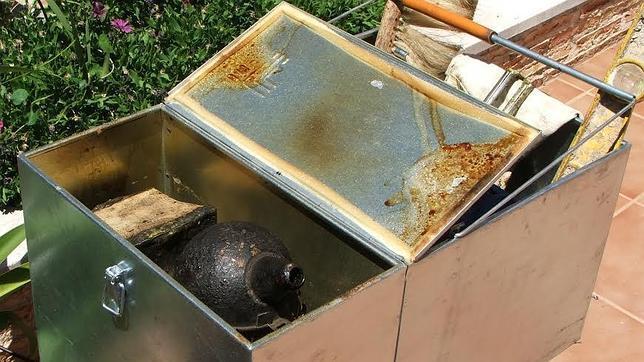 El ahumador debe transportarse dentro de una caja metálica con cierre hermético