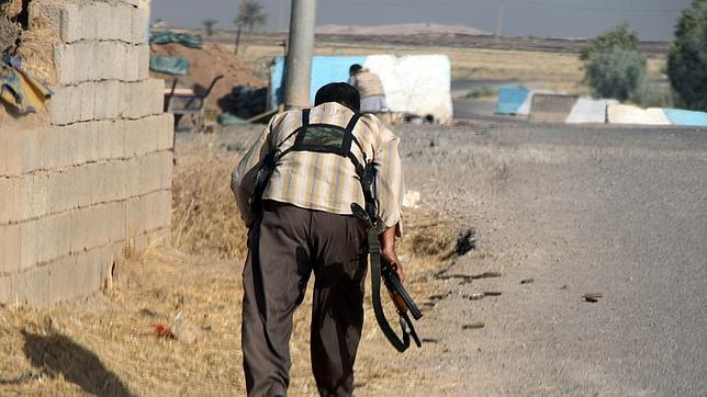 Un combatiente turcomano a 160 kilómetros al norte de Bagdad