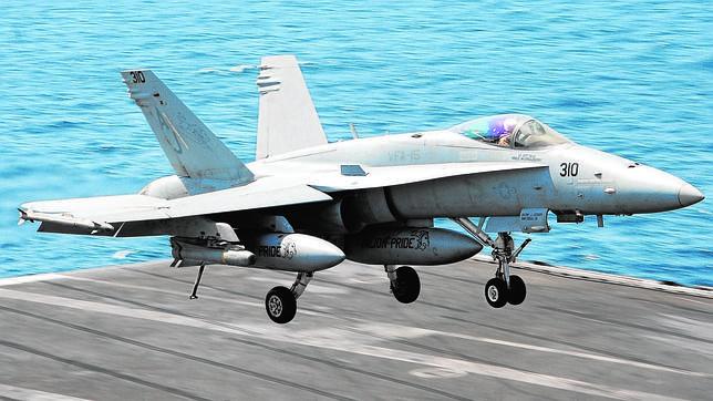 Así son los aviones del «George H. W. Bush»: el buque que ataca al yihadismo de Irak