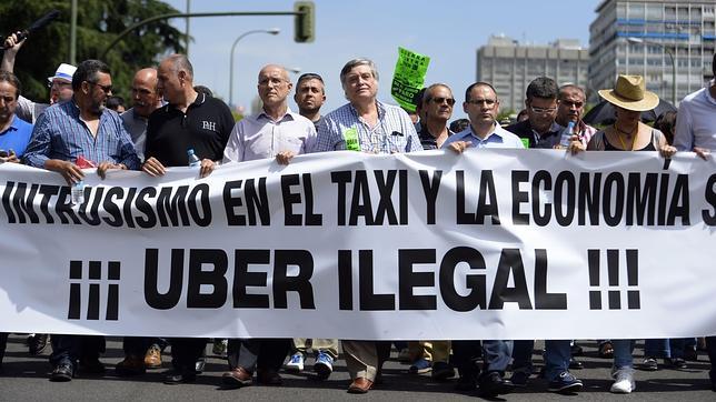 Manifestación del gremio del taxi en Madrid contra la aplicación móvil