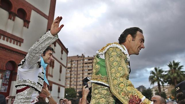 Robleño y El Cid salen por la puerta grande del Bibio