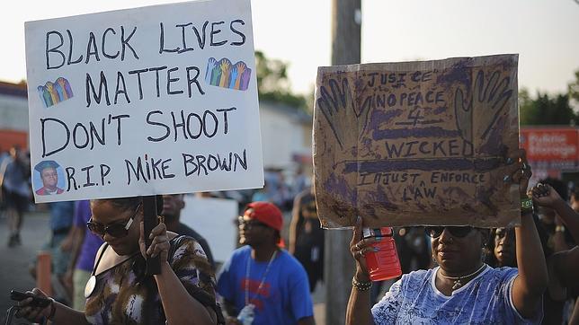 La violencia vuelve a triunfar en Ferguson sobre los intentos de una protesta pacífica