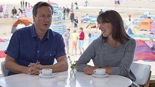 Cameron, criticado por su falta de elegancia en la playa