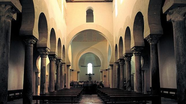 Interior de la iglesia de San Cebrián de Mazote