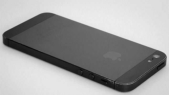 Apple alerta de un fallo en la batería del iPhone 5