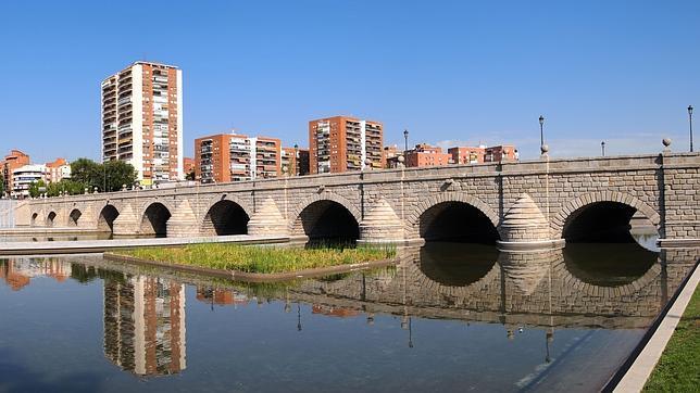 El puente de Segovia fue uno de los principales accesos de la ciudad en la época de Felipe II