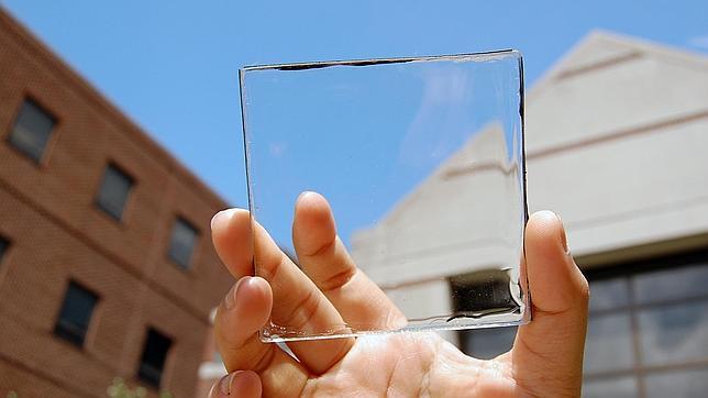 Crean un material que puede convertir cualquier ventana en una fuente de energía