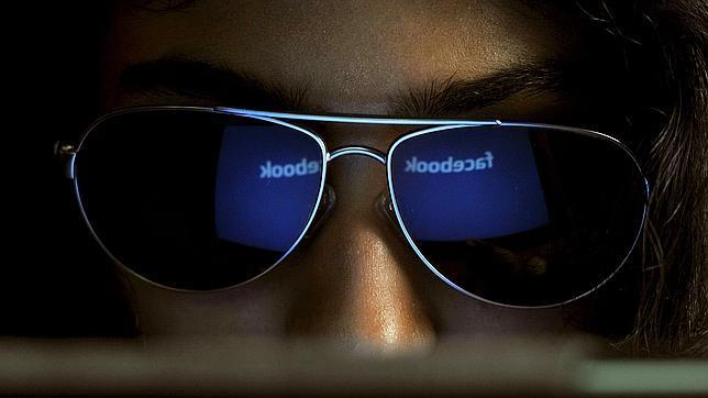 ¿Consultas el Facebook en el trabajo? El 33% de las personas sí lo hace