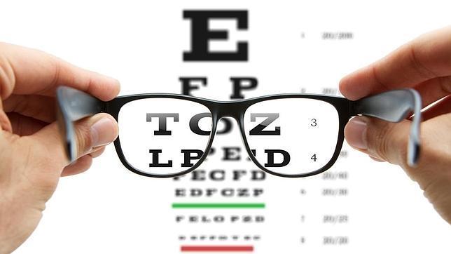 El increíble truco que te permitirá ver sin usar gafas graduadas
