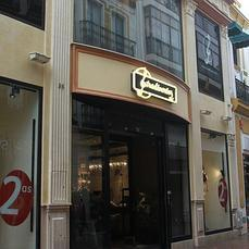 Stradivarius abre en londres su primera tienda brit nica - Bershka en londres ...