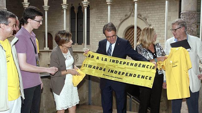 Artur Mas durante una reunión con Asamblea Nacional Catalana (ANC)