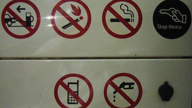 ¿Por qué se recomienda apagar el móvil en las gasolineras?