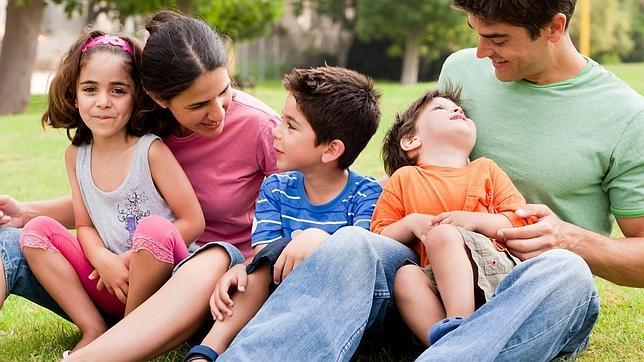 Una de cada tres familias numerosas no llega a final de mes - Casas para familias numerosas ...