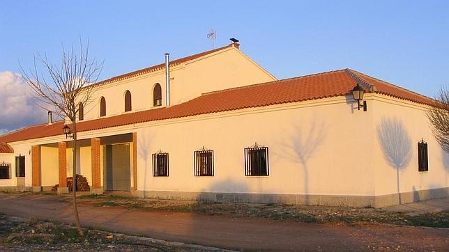 Estación de Robledo, hoy rehabilitada como alojamiento rural