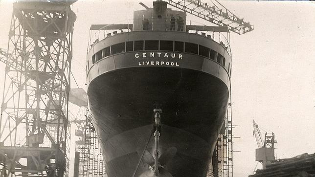 Barco hospital inglés «Centauro» hundido por un submarino japonés el 14 de mayo de 1943