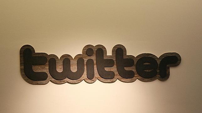 Logo de Twitter en sus oficinas en San Francisco