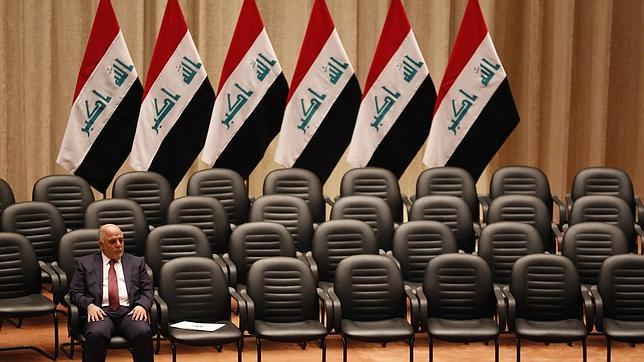 El primer ministro iraquí, Haider el Abadi, durante la votación al nuevo Gobierno en el Parlamento iraquí