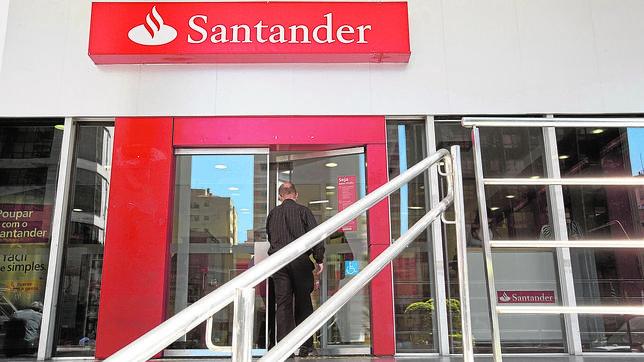 Vista de una sucursal del Banco Santander en la ciudad de Sao Paulo (Brasil)