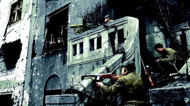 Los soviéticos combatieron en Budapest casa por casa para reducir a los 80.000 defensores de la ciudad