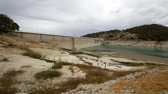 Imagen del embalse de Amadorio en Alicante