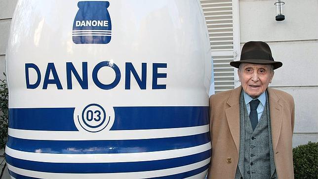 Danone, la gran empresa que nació en España con la venta de yogures medicinales