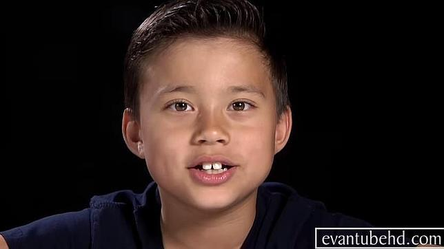 El niño de 8 años que gana un millón al año subiendo vídeos a YouTube