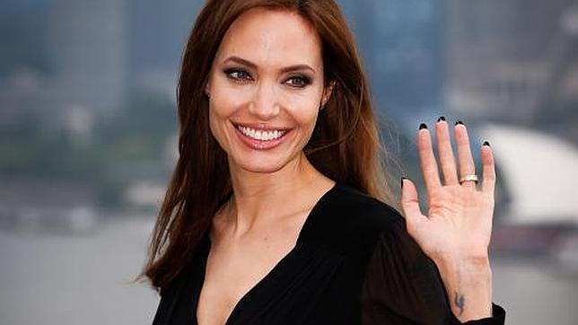 La imagen de Jolie ha alejado la idea de que la extirpación de los senos deja a la mujer sin su feminidad