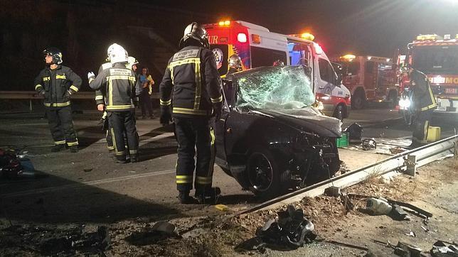 Tres muertos tras invadir el carril contrario un turismo y chocar con ..