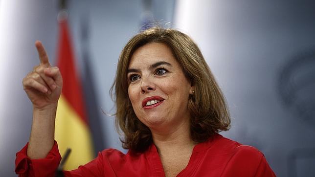 La vicepresidenta Soraya Sáenz de Santamaría en la rueda de prensa tras el Consejo de Ministro