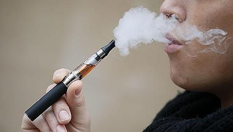 Cada vez más personas se han pasado al cigarrillo electrónico