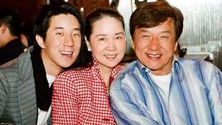 Castigo ejemplar anti-drogas para el hijo de Jackie Chan