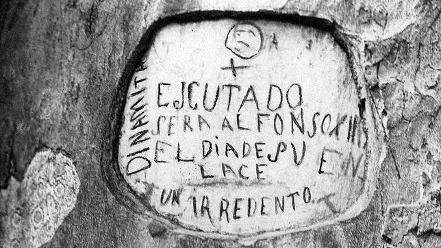 Imagen del mensaje grabado en un árbol del Retiro, Mateo Morral, días antes del atentado contra los Reyes