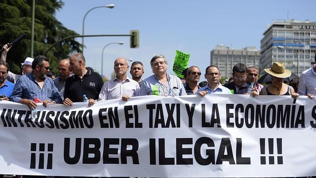Protesta de los taxistas contra Uber en Madrid