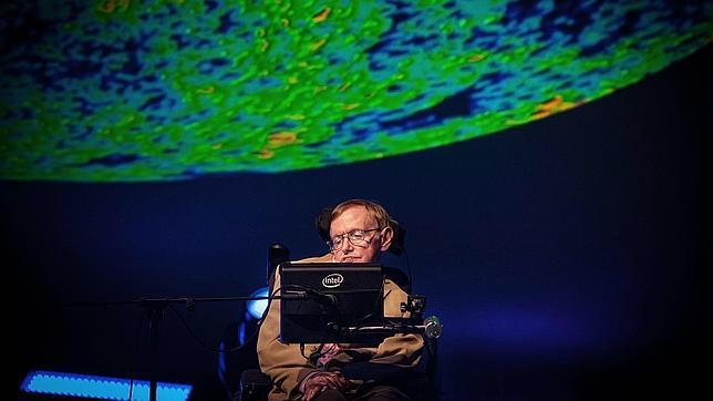 Stephen Hawking, durante su intervención en el festival Starmus de Tenerife