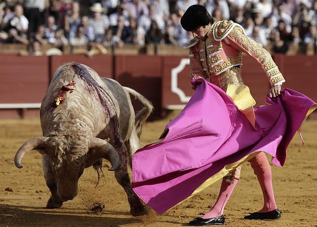 Una auténtica limpieza de corrales en la plaza de toros de Sevilla