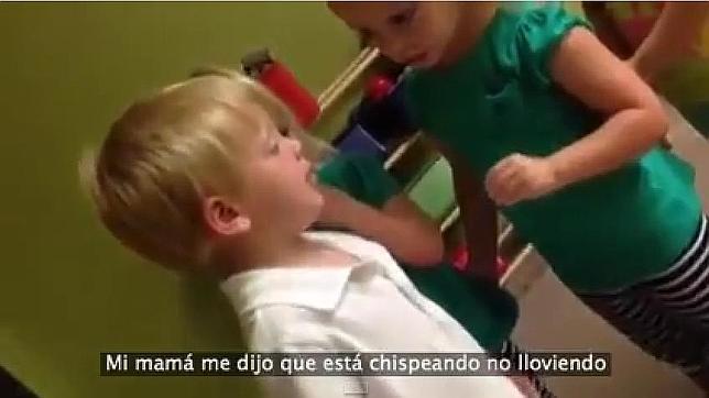 ¿Llueve o chispea? La emotiva discusión de tres niños que triunfa en Youtube