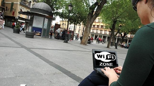 No «vendas» a tu hijo por no leer las condiciones de uso de una red pública wifi