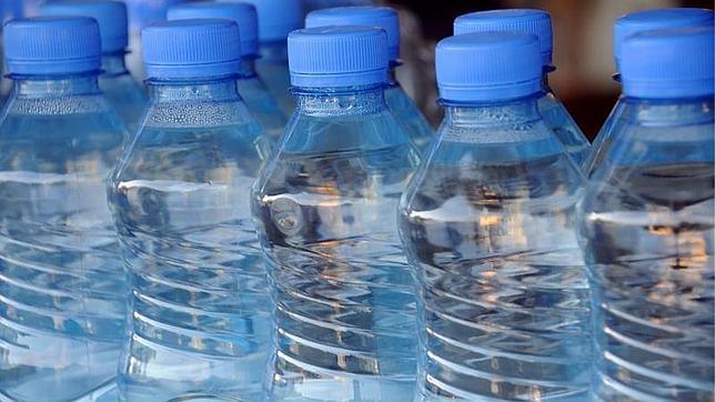 El agua mineral te ayuda a bajar de peso