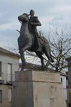 «Más, más, los huevos del caballo de Espartero se los haces más grandes»
