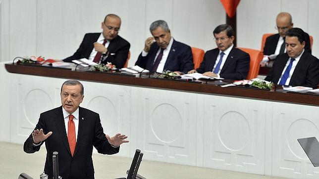 Turquía aprueba el envío de tropas a Irak y Siria para combatir contra el Estado Islámico